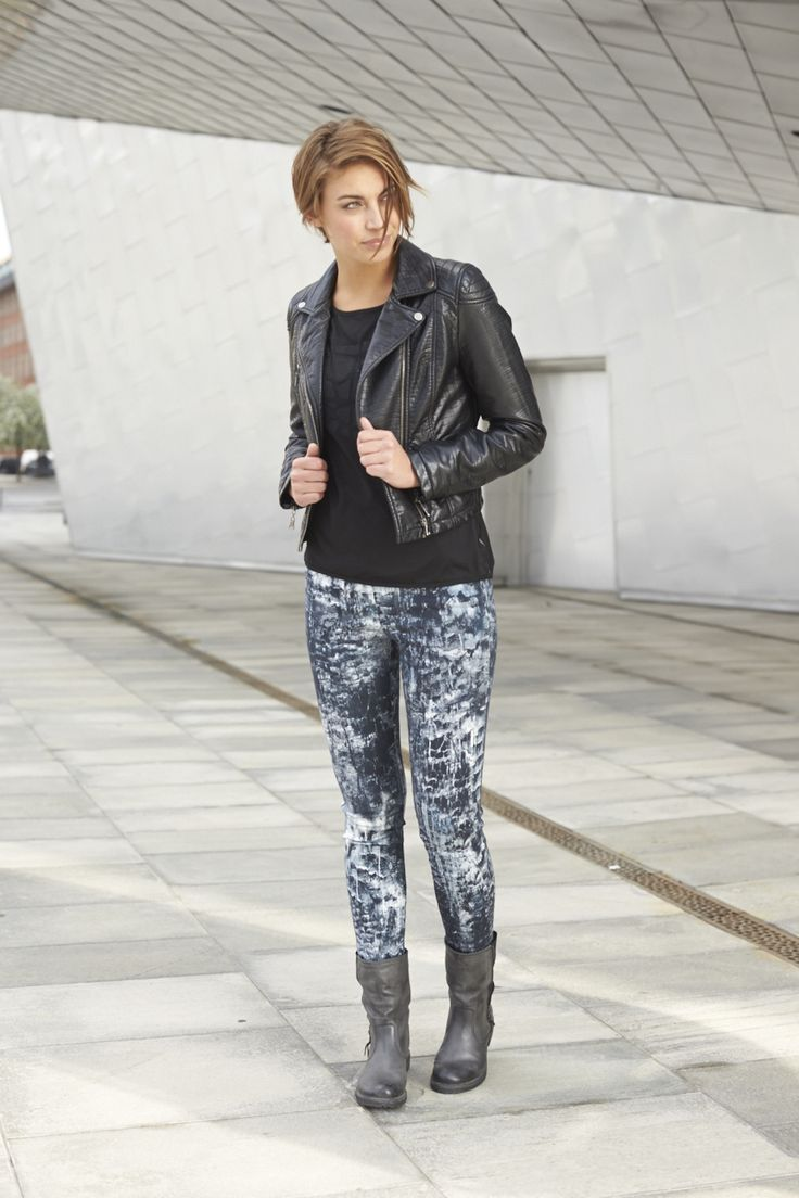 Trendy jackets & print pants for autumn! New collection coming out in August!