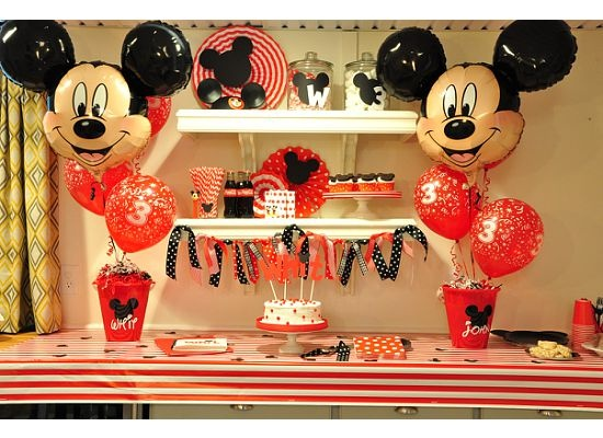 Adorable Mickey party.  Love the ribbon garland. #mickey #party