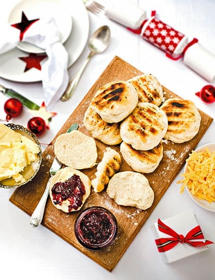 Roosterkoek met konfyt en kaas | Resepte | SARIE