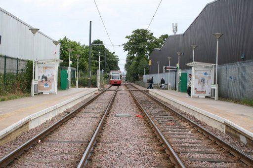 Croydon Tramlink tram stop at Beddington Lane