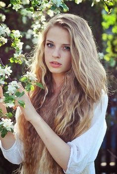 Names winter. I'm 16 and single. Daughter of Poseidon. I'm not a big fan of the water though. I'm more as a geek if you can believe it or not. I'm also not that social so I don't really have friends.