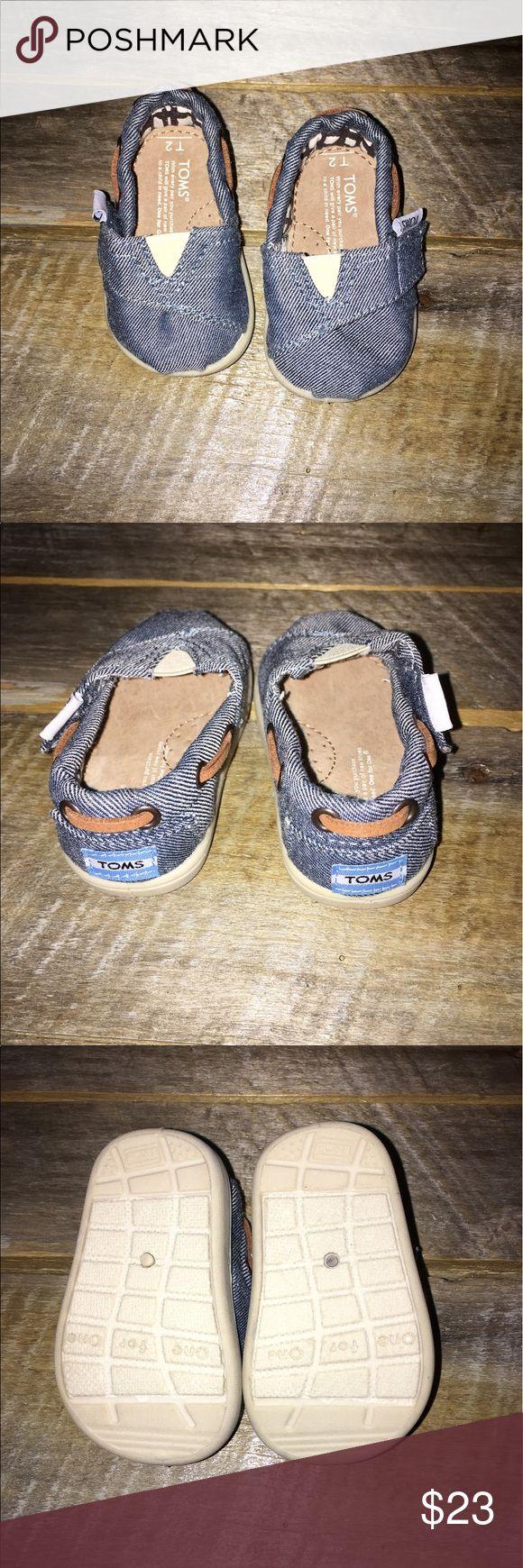 Tiny TOMS T2 Bimini Shoes Size T2. Baby/Infant. unisex TOMS Shoes Baby & Walker