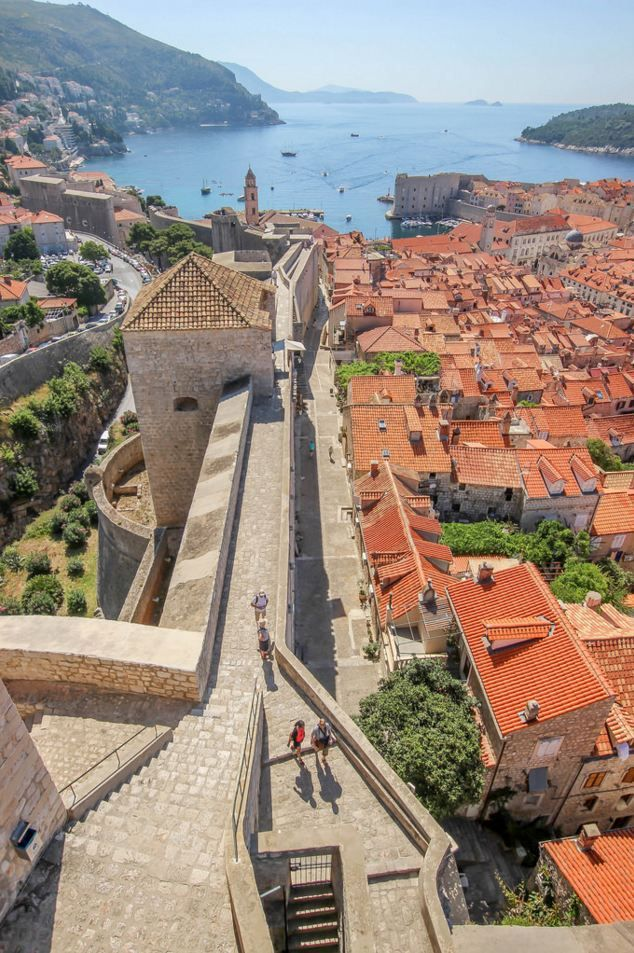 Dubrovnik walls, Croatia by daddycraw