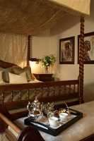 http://www.south-african-hotels.com/hotels/hunters-country-house/