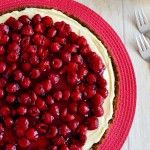 MonChou Taart Met aardbeienjam en verse aardbeien ipv kersenvlaaivulling