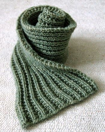 Mistake Scarf Pattern - FREE This is the perfect easy scarf pattern for beginner, if you can knit and purl then you are more than capable of making this scarf. #scarf #knitting #pattern www.knitting-directory.com
