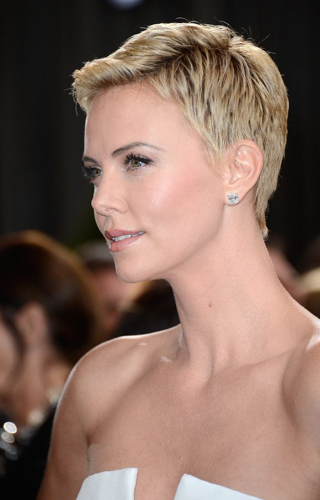 Pixie Lookbook: Charlize Theron wearing Pixie (11 of 86). Charlize Theron's bottle-blond pixie exuded modern femininity at the 2013 Oscars.