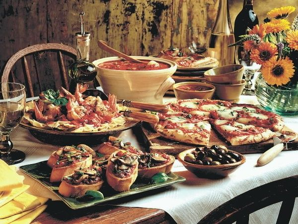 Rustic italian food booth table pizza pasta meats for Italian decoration food