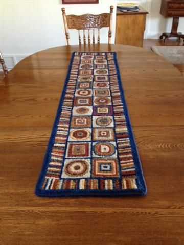Circle and Squares table runner hooked by Rachel W. Pattern by Searsport (www.searsportrughooking.com)