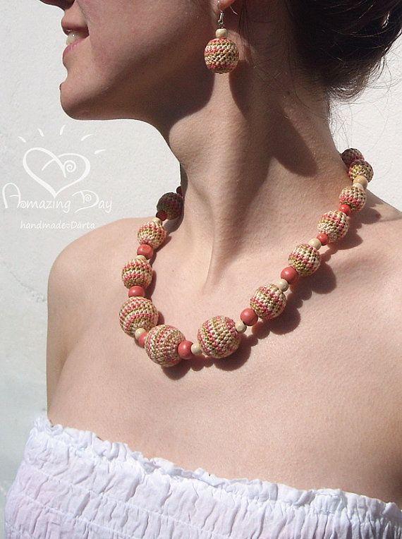 Cream Crochet NECKLACE. Pale Pink bubble Necklace. Light Striped Contemporary Necklace. 2014 Trendy Summer Necklace. Purple Striped Necklace