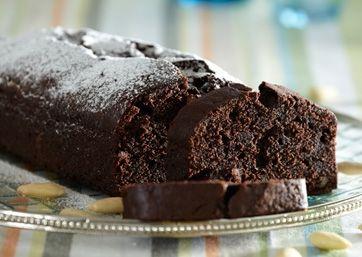 Chokoladekage kan man da altid få ned, og denne version med mandler er rigtig fristende...!
