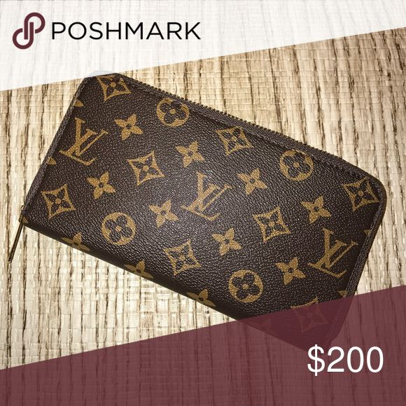 LV wallet Price reflects authenticity six card holders - make me an offer anywhere (emphasis on this, will take low offers) on this- stiff wallet hasn't been used yet. Mainly for the outside (the wallet looks better on the outside than on the inside so great if you just wanna carry it around) Louis Vuitton Bags Wallets