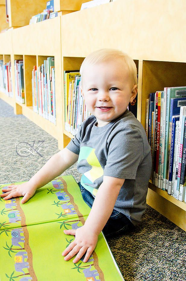 www.photogbykat.com 2 Year Old. Library Photo Shoot. Two years. Books. Children. Photography by Kat.