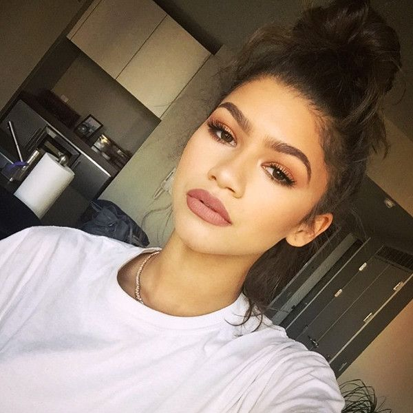 Back-to-School Beauty: Everything You Need to Know About Matte, Brown, '90s-Inspired Makeup for Fall Zendaya, Instagram