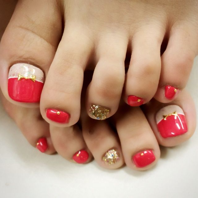 25 unique gold toe nails ideas on pinterest white toe nail 25 unique gold toe nails ideas on pinterest white toe nail polish wedding toes and bridal toe nails prinsesfo Image collections