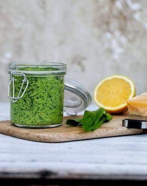 Ramsløg pesto er en delikat dressing, der kan tilføre smag og cremethed til dine retter. Ramsløg…