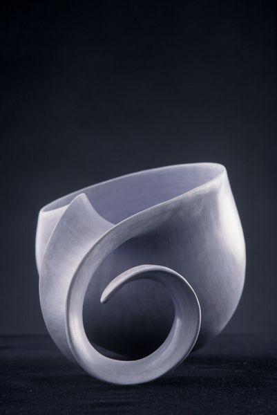 Tina Vlassopulos. Sculptural. GORGEOUS curves.