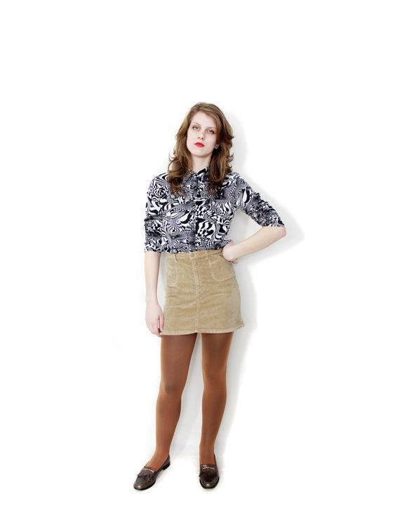 ON SALE Vintage skirt / Benetton short high waist velvet by nemres, $14.00