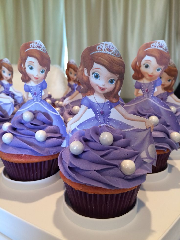 My version of the Sofia the first cupcakes. I made an American buttercream frosting from scratch because I had read it holds up better for decorating and it was Ahmazing!!! I'll never buy a can of frosting again. This was a fun pin to recreate