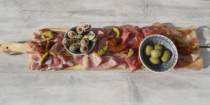 Pimenta Loreti Petiscos Serveerplank. Langwerpige serveerplank ideaal voor midden op tafel.