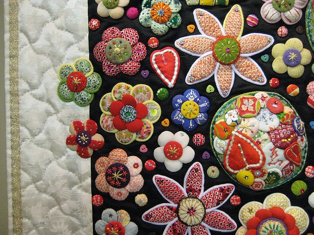 like how the flowers go into the border: Challenges Quilts, Applique Quilts, Crafts Clothing Needlework, Amazing Quilts, Border Flowershop, Crafts Stuff, Japan Appliques, Hands Hooks, Hooks Rugs