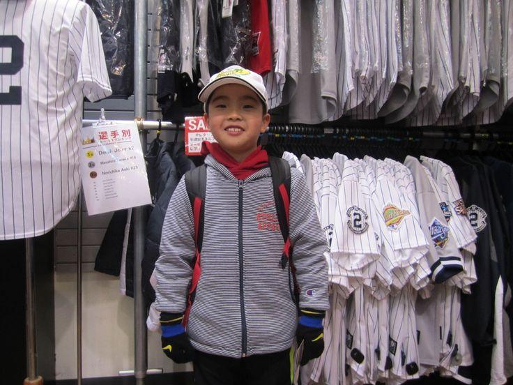 【大阪店】2015.01.19 ソフトバンクファンのお客様にご来店いただきました!内川選手を応援されているとのこと!来年も華麗な打撃を期待ですね(^^♪