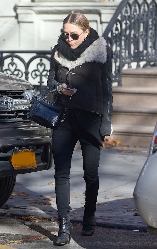 An outfit like this makes me like the cold weather. & I love the slicked back hair. Easy to do when you just don't feel like doing your hair.