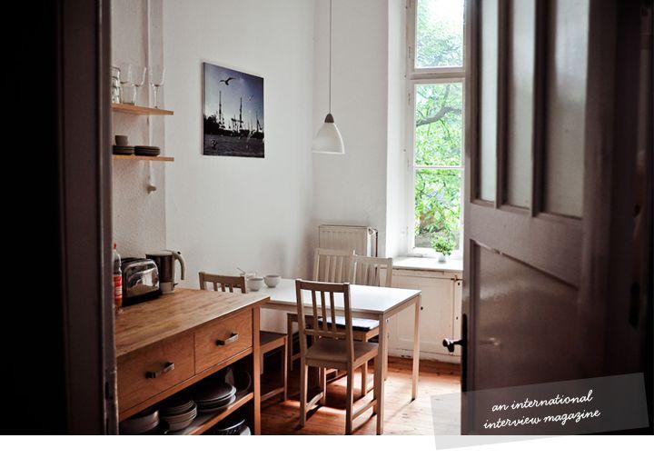 .: Secret Place, Kitchens Spaces, White Tables, Kitchens United, Tiny Kitchens, Future House, Sweet Homes, Kitchens Corner, Desks Spaces