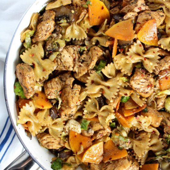Looking for a quick, nutritious dinner? This One Pan Balsamic Chicken, Pasta