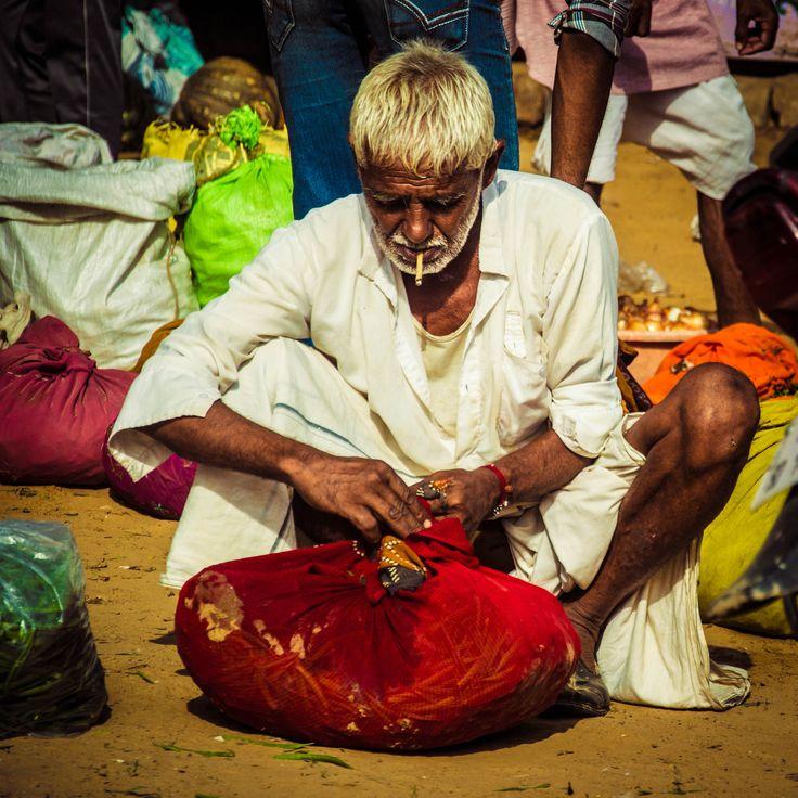 3ar3ar man in the souk  #India