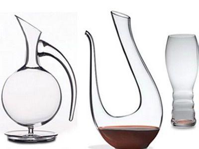 Riedel calici in cristallo di lusso nella casa degli sposi, per brindare e bere con stile.