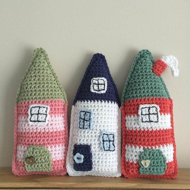 This a pdf pattern to make a little crochet folk house. These little houses were inspired by my love of Dutch and Scandinavian houses. The pattern is written in UK terms and it contains step by step instructions to make the houses pictured. The little houses look great standing or hanging and make a perfect house warming gift. Fill them with polyester filling or with lavender to fragrance your room. Made using 4 ply cotton yarn each house is approximately 16cm high and 7cm wide. A basic…