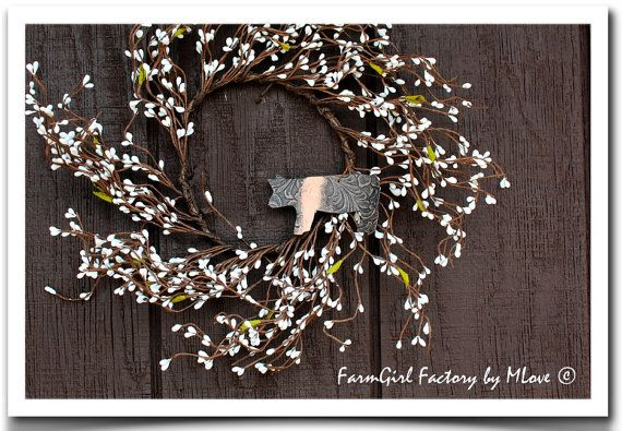 I used to show Hamps as a kid :-) Love this!! <3 Hampshire Pig Pip Wreath by kmlove1250 on Etsy, $15.00