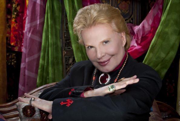 Tinder is Over Because Walter Mercado Has Launched a New Dating Site