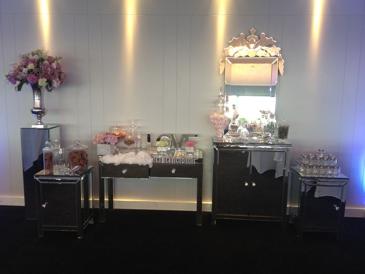 Our favorite mirrored lolly buffet!!
