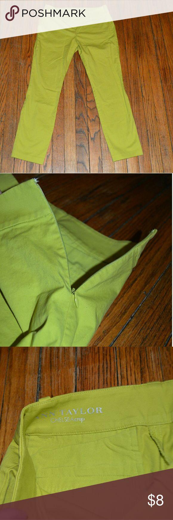 Ann Taylor Chelsea Crop lime green pants 0p Ann Taylor Size 0p Chelsea Crop Bright green Waist - 26 Inseam - 24 Ann Taylor Pants Ankle & Cropped