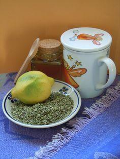 Infusión de orégano, miel y limón para el dolor de garganta