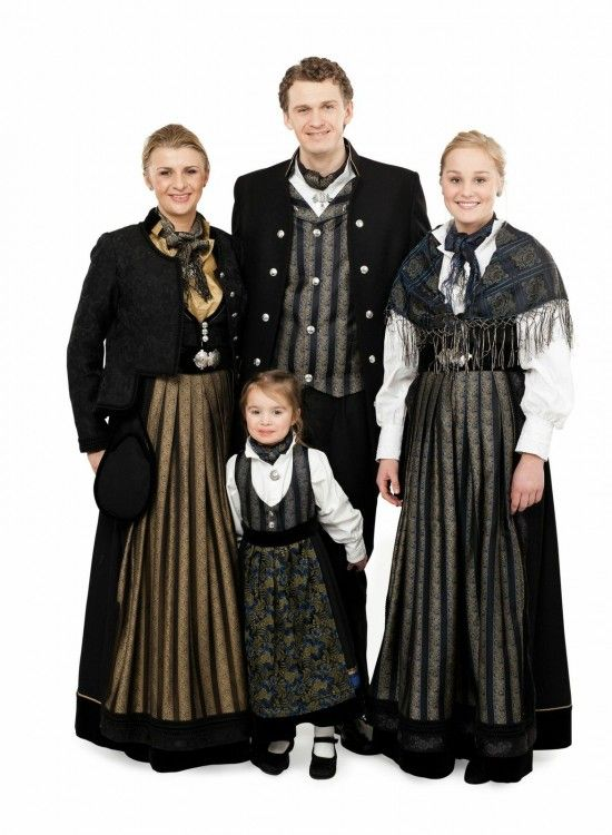 Jubileumsdrakten for Oslo - Inspirert av bunad og folkedrakt for borgere av byen.
