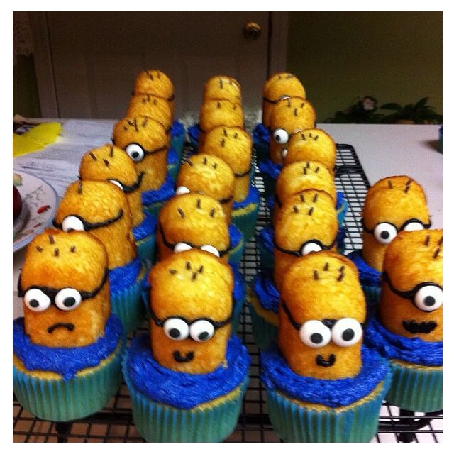 Minion Twinkie Cupcakes (they were very easy to do)