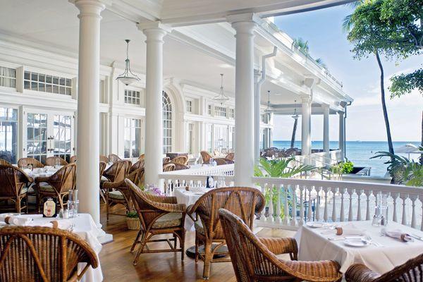 moana surfrider hotel | Hotel, Oahu: Moana Surfrider a Westin Resort & Spa