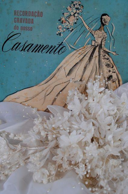 Ana Caldatto : trecos antigos CASAMENTO ANOS 60 sim aqueles Buquês de Noivas enormes feitos cada detalhe à mão flores prensadas, cortadas e gofradas (gofrar = fazer nervuras em flores e folhas artificiais):