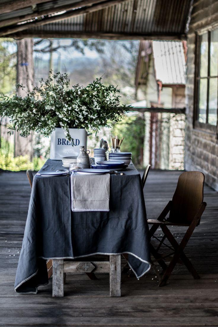 Francalia linen tablecloth, blanket stitch edging