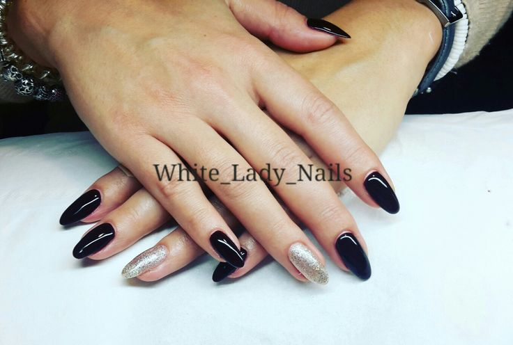 #nails #manicure #allungamentogel #refill #gel #ricostruzioneunghie #smaltosemipermanente #gelish #nailsgel #nailpolish #gelpolishmanicure #gelnails