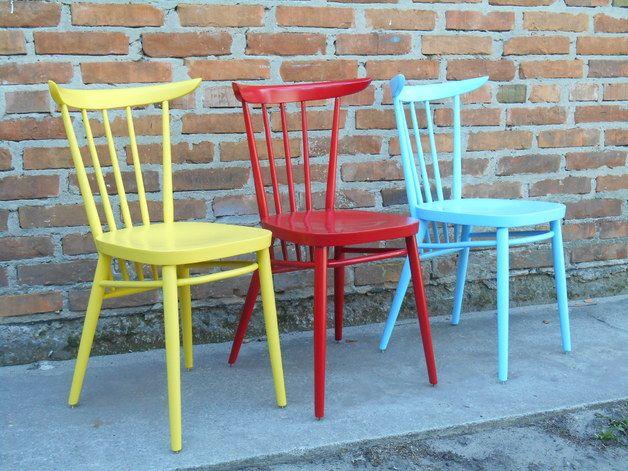 Krzesła / Stühle ➥ Zestaw trzech odrestaurowanych krzeseł z Czechosłowacji, lata 50-te ➥ Ein Vintage-Set bestehend aus drei Stühlen, frisch aus der Zeitmachine (immer noch warm). Hergestellt in den 50ern in Tschechoslowakei. B.T. Meble