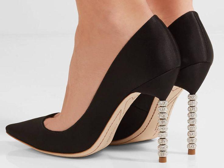 2017 Stiletto Modelleri Kadınlar vazgeçemedikleri ayakkabı tutkunluğunu bilmeyen yoktur sanırım. Stiletto bir kadın için hayat kurtaran ve seksi görünmesini sağlayan adeta bir yıldız, bir stardır.
