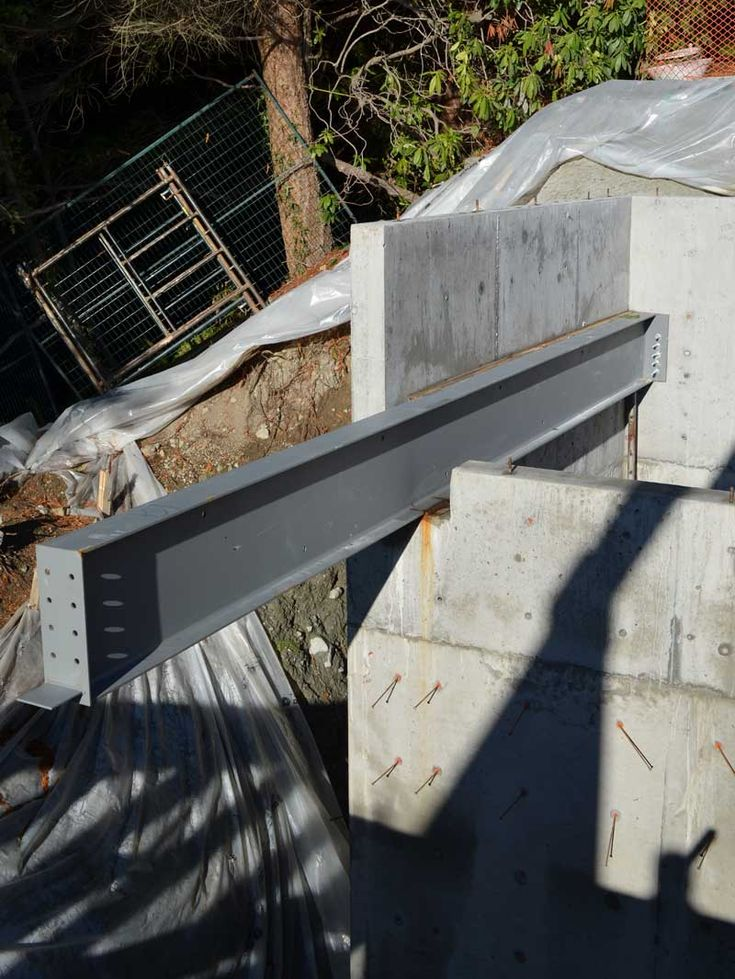 Cantilevered Steel Beam Over Concrete Wall Arq Obra