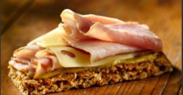 Καναπεδάκια με τυρί και σαλάμι: Ιδανικά για παιδικό πάρτι