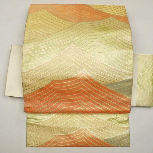 Gold, silk nagoya obi / 金線でさざ波のような抽象線柄を施した名古屋帯