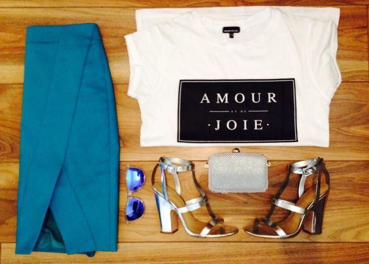 #OOTD Tonight's outfit for my Saturday girls night out :) Skirt #KarenMillen, Slogan Tee #Warehouse, Sandals #ZARA