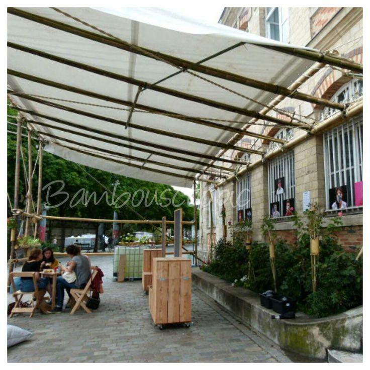 Structure bambou devant le canal de l Ourc à Paris. Intervention de Bambouscoopic et Invit.